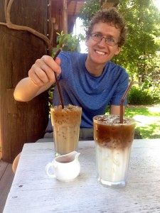 Enjoying some Iced Lattes at Cafe d'tist