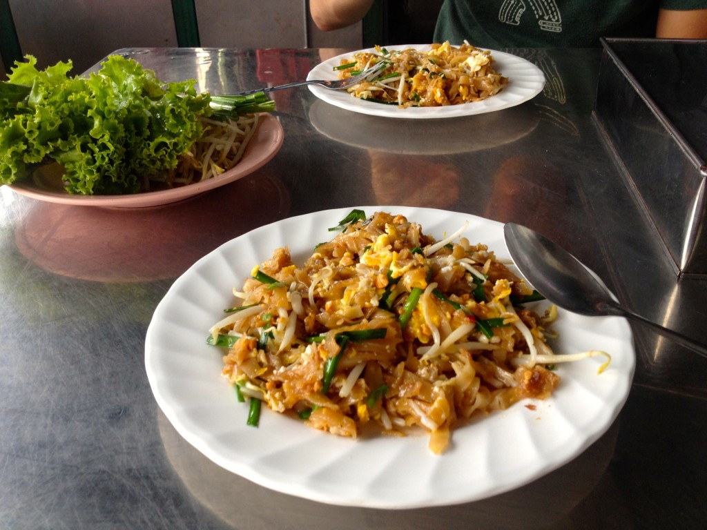 You can eat-in or take-out, it's 30 Baht either way. Here's a peek at eat-in Pad Thai.
