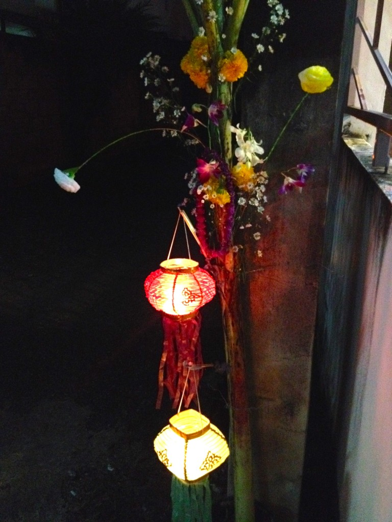Many of our neighbors put out lanterns and flowers for Loy Krathong.