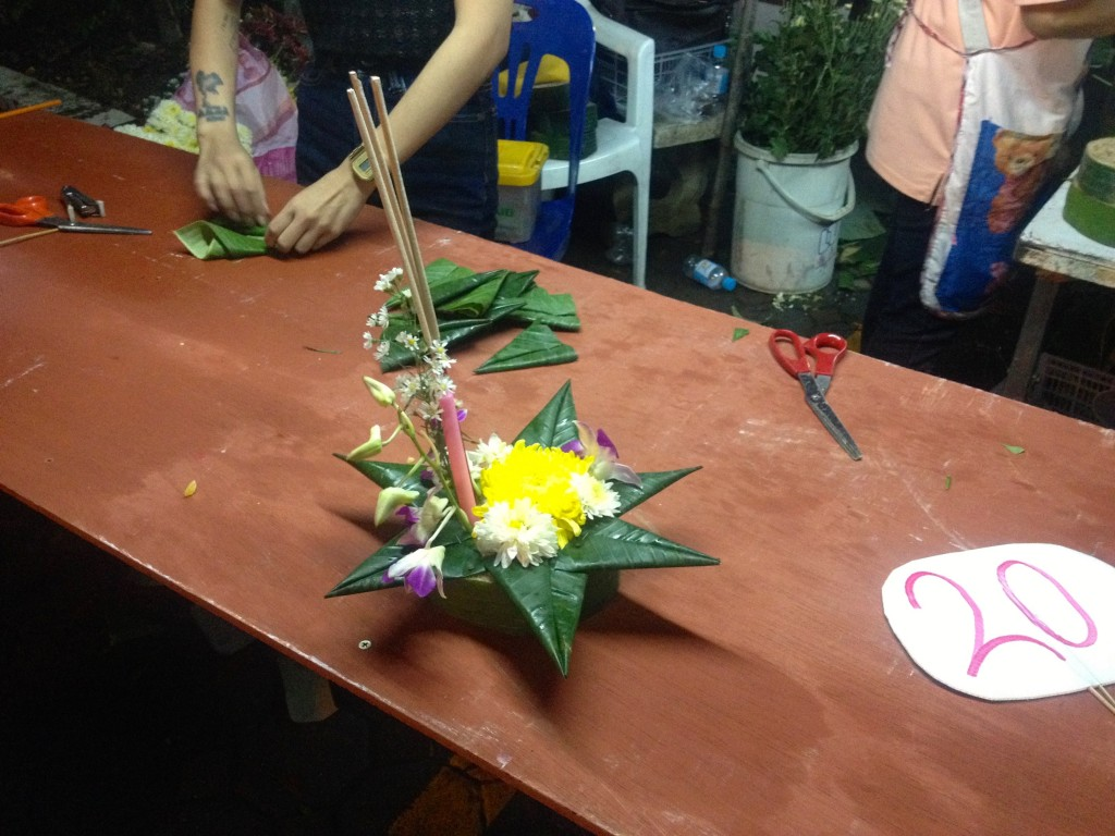 Krathongs are made from with banana leaves, flowers, candles and incense sticks.