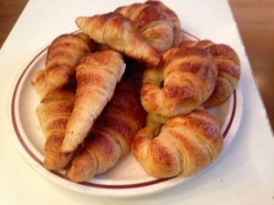 There's nothing like a big plate o' croissants.