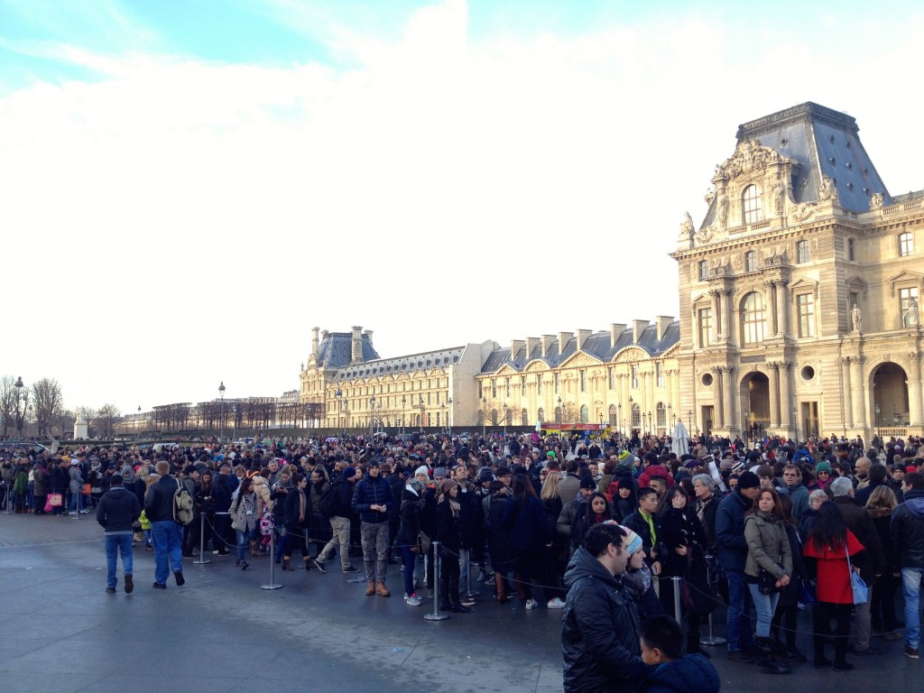 Crazy lines at the Louvre!