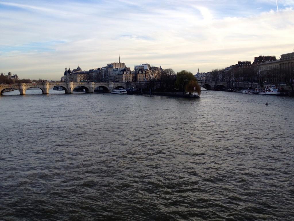 We walked over lots of Siene River Bridges.
