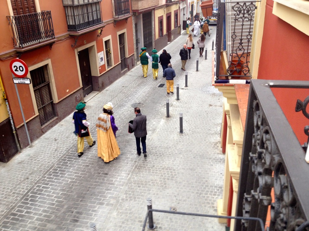 A Parade for the 3 Magi went past our balcony the first morning after we woke up here in Sevilla. What a treat!