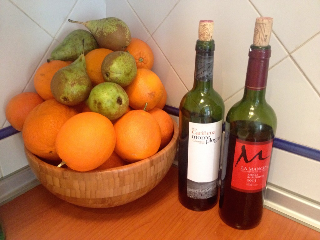 So many orange! Also, delicious wine can be had for just 2 euro per bottle! Temperanillo, YUM.