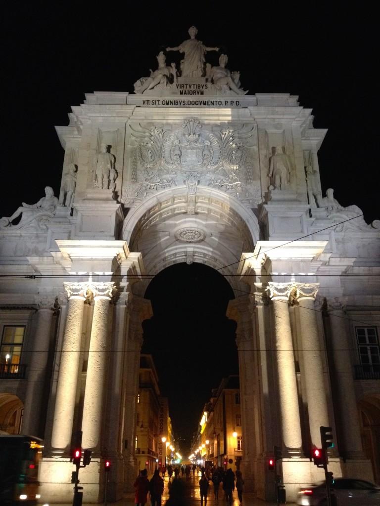 Lisbon's Arch of Triumph, located on Praça do Comércio.