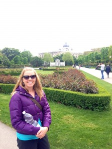 The Volksgarten with the Hofburg palace in the background.